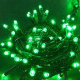 Cadena de vacaciones RGB en el interior de la luz de las decoraciones de Navidad