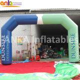 De hete Boog die van de Verkoop Inflatables voor PromotieTentoonstelling adverteert Openlucht