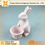 Portauovo sveglio di ceramica dentellare del coniglio per il regalo di Pasqua