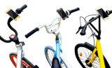 ゴム製バイクの電話台紙のシリコーンの調節可能な自転車の電話ホールダー