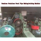 Het Lassen dat van de Buis van het staal de Lopende band van de Machine maakt