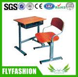 Salle de classe moderne en bois milieu étudiant Bureau avec chaise SF-07s