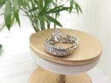 2 que centellean en 1 anillo de múltiples funciones de la dimensión de una variable de la corona del diamante del diseño en el latón de cobre para las mujeres