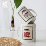 la promoción 12oz posee la taza de café de la impresión de la etiqueta de la insignia