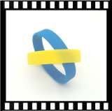 Commerci all'ingrosso di gomma del braccialetto del silicone del Wristband su ordinazione stampati marchio promozionale dei regali