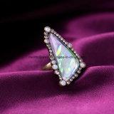 여자를 위한 형식 차가운 다이아몬드 그리고 불규칙한 원석에 의하여 장식용 목을 박는 합금 반지