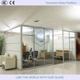 vidro Tempered curvado liso de 3-19mm para a divisória da parede