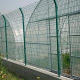 かみそりの有刺鉄線空港塀