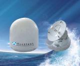 El infante de marina embarcado TV recibe la antena basada en los satélites