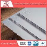 Painel de alumínio alveolado de grãos de madeira para decoração de fachadas