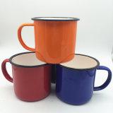 Taza de café de encargo validada al por mayor del esmalte de la insignia de la pequeña orden para el regalo de la promoción que acampa
