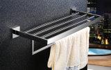 De muur zette het Nieuwe Vierkante Rek van de Handdoek van de Toebehoren van de Badkamers van de Plank van de Handdoek van het Roestvrij staal van Inox van de Stijl op