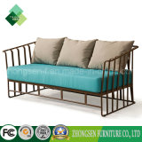 Modernes Möbel-Metalarmlehnen-Sofa-Freizeit-Seblaues Gewebe-Sofa