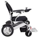 جديات يستعملون كهربائيّة يطوي كرسيّ ذو عجلات مع [س] [فدا] موافقة