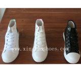 Schoenen van de Tennisschoen van het Comfort van de Schoenen van het canvas de hoog-Hoogste