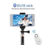 Bâton télescopique de Selfie avec l'obturateur éloigné de Bluetooth pour des smartphones