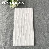 Non carreaux de céramique blancs lisses superbes de la glissade 300*600, tuile de mur pour le Sri Lanka