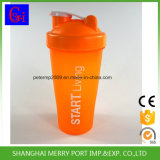 Botella agitador de color naranja para sacudir el polvo de la nutrición o la mezcla