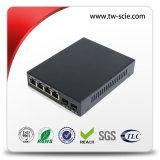 2つのイーサネットポートコンバーターが付いている単一Scポートはファイバー媒体の二倍になる