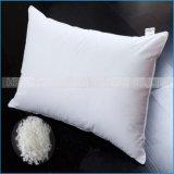 Подушка выдвиженческой подушки постельных принадлежностей установленной домашней обыкновенной толком белая здоровая для спать