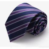 Últimos gravatas feitas à mão com 100% de seda para homens