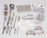 Varietà di pezzi meccanici di CNC