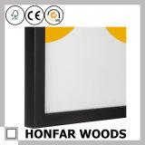 Glatter schwarzer hölzerner Abbildung-Foto-Rahmen mit Montierung