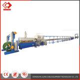 O fio de cabo de segurança do prédio da linha de produção no processo de extrusão de fios do cabo