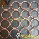 O anel de metal decoração Arquitetura de malha