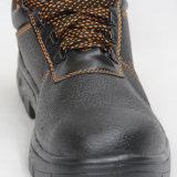 Провод фиолетового цвета из натуральной кожи черного единственного обувь (рабочие ботинки)