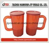 Muffa della tazza dell'acqua con il coperchio