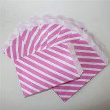 Sacs de papier roses rayés respectueux de l'environnement de festin pour l'usager