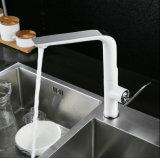 Robinet d'évier de cuisine blanc pivotant pour articles sanitaires