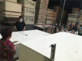 1220*2400*12/15/18mm Möbel-Grad-weißes gebleichtes volles Pappel Commerial Furnierholz