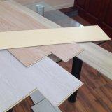 Plancher imperméable à l'eau de cliquetis de vinyle de la norme européenne WPC