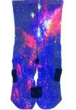 明るいカラー空想デザインエリートの服のソックス