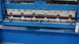 A folha 1000 da telhadura do perfil de Trapze que faz a máquina lamina a formação da máquina no estoque para a venda
