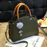 Populäre harte Griff-Beutel-Frauen-Handtasche mit Pelz-Kugel-Pendent Dame-Schulter-Beuteln Sy8170