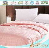 Consolador de seda liso del edredón de seda suave rosado brillante
