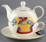 Teiera e tazza di Cina di osso per caffè e tè