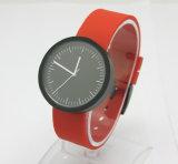 Plastikfall und Brücke-Schweizer Bewegung wasserdichte Soem-Dienstleistungen lieferten fantastische Uhren
