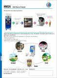 Un coup de la crème glacée machine comme Hommy Soft servir du yogourt glacé sur le stand avec la CE certifiate