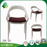販売(ZSC-25)のための椅子のプラスチック椅子を食事する熱い販売のホテル