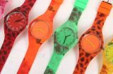 Plastikkasten und Band-Japan-Bewegungs-wasserdichtes verschiedenes Fantasie-den Uhren von der Farben-LED