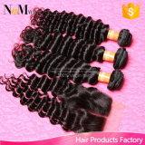 Индийские курчавые волосы с волосами девственницы закрытия 6A Unprocessed индийскими с человеческими волосами закрытия связывают глубокую волну с закрытием шнурка
