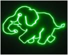 Le DJ allumant le laser vert pour le club de disco, Pub