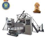 pelotilla del alimento de perro que hace la máquina
