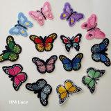 3D 컴퓨터 자수 Muitl 색깔 나비 의류 패치 의복 부속 선물에 의하여 길쌈되는 패치