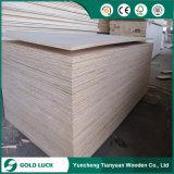 La madera contrachapada más barata del grado del embalaje de 2.5-9m m Bintangor