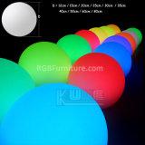 Resplandor ligero inflable encendido de las bolas del plástico LED en obscuridad con la batería